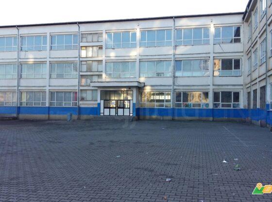 WP 30 560x416 - Komuna e Ferizajt fillon renovimin e shkollës në shtator, nxënësit mbesin në shtëpi
