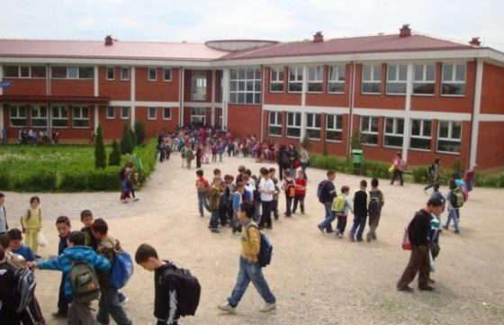 WP 8 560x361 - Rexhaj: Gjithçka gati për fillimin e vitit shkollor më 14 shtator