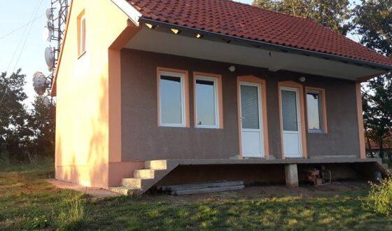 w 12 560x330 - Meremetohet Shtëpia-Muze e Radios-Kosova e Lirë, në fshatin Berishë