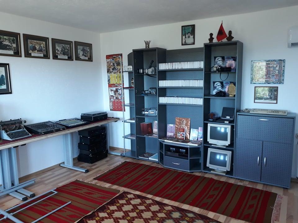 w 13 - Meremetohet Shtëpia-Muze e Radios-Kosova e Lirë, në fshatin Berishë