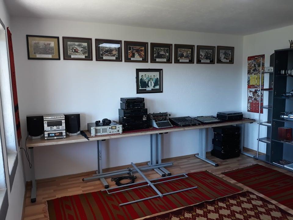 w 14 - Meremetohet Shtëpia-Muze e Radios-Kosova e Lirë, në fshatin Berishë