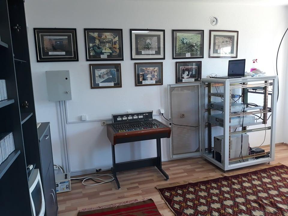 w 16 - Meremetohet Shtëpia-Muze e Radios-Kosova e Lirë, në fshatin Berishë