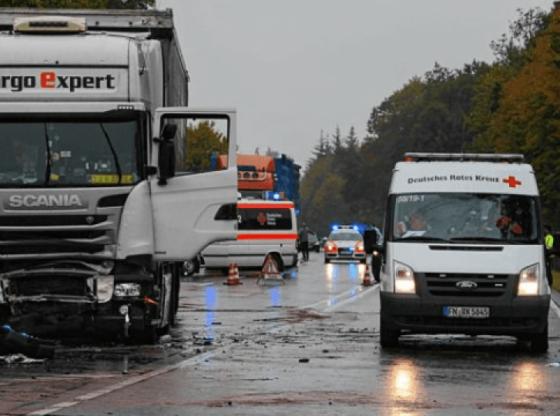 w 9 560x416 - Tragjedi: një i mitur dhe dy të rinj nga Kosova vdesin në aksident në Gjermani