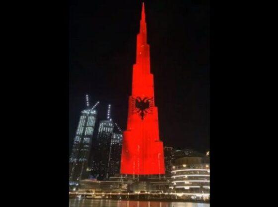 auto Flamuri Dubai16065852891 800x4451 1 560x416 - Shqiponja dy krenare shfaqet në Dubai