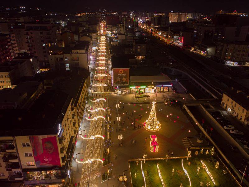 129181640 3849167211801369 1034453784588808471 o 801x6001 1 - Qyteti i Ferizajt stoliset për festat e fundvitit