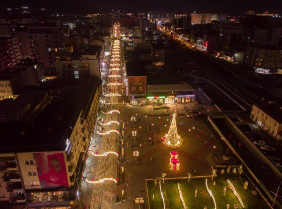 129181640 3849167211801369 1034453784588808471 o1 560x416 - Qyteti i Ferizajt stoliset për festat e fundvitit