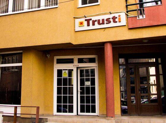 Trusti Pensional i Kosoves 8951828577123 11 560x416 - Pas kësaj date do të fillojë të dalin paratë e Trustit