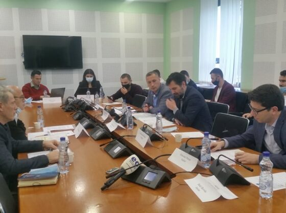 w 44 560x416 - Ish-punëtorët e fabrikës së gypave në Ferizaj: Privatizimi ishte anti-ligjor, pati manipulime