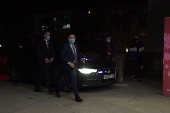 w 16 560x374 - Shpërthimi në Ferizaj, Armend Zemaj viziton të lënduarit në QKUK