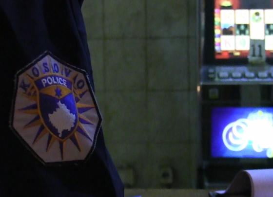 w 33 560x405 - Policia arreston 12 persona në Ferizaj
