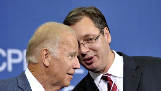 w 560x317 - Presidenti Biden inkurajon Vuçiqin për njohjen e Kosovës