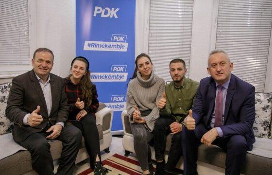 w 560x360 - Tre ish-anëtarë të Vetëvendosjes në Ferizaj i bashkohen PDK-së