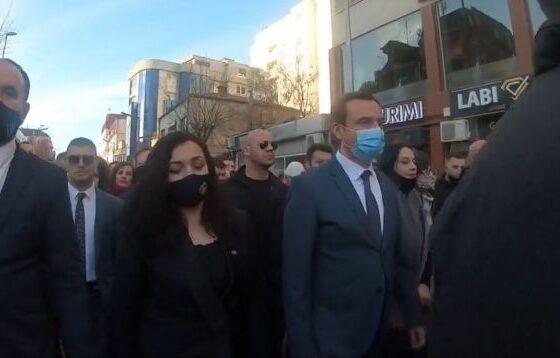 w 7 560x358 - Kurti e Osmani në Ferizaj: Zgjedhjet janë referendum, shumica popullore bëhet shumicë parlamentare