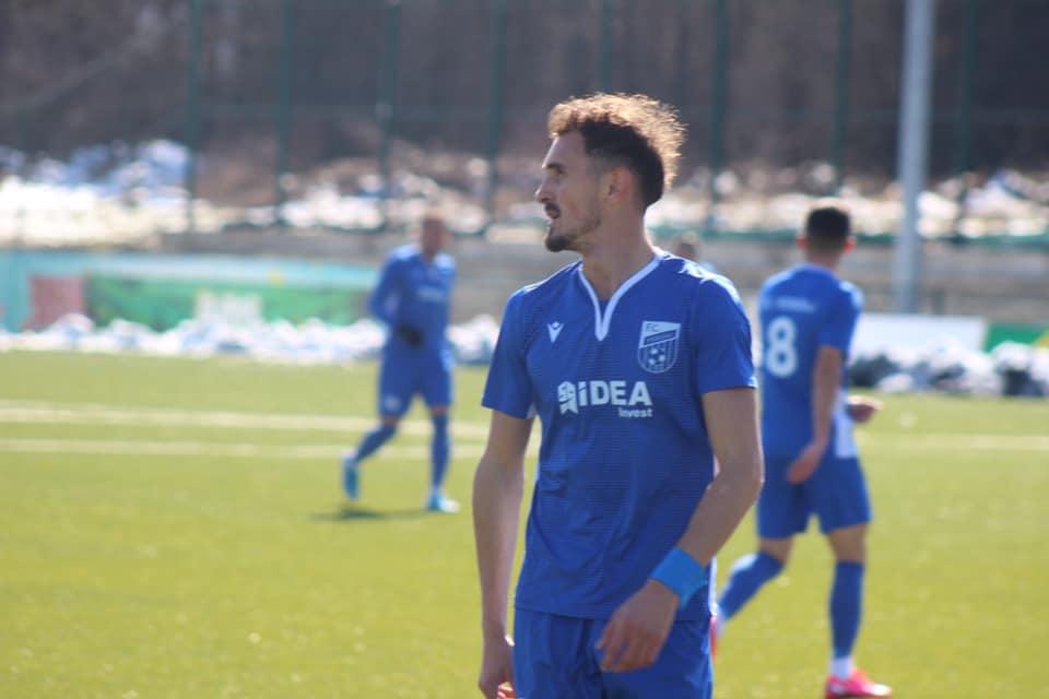1234 2 - Futbollisti i njohur kërkon ndihmë nga Labinot Tahiri për klubin e Ferizajt