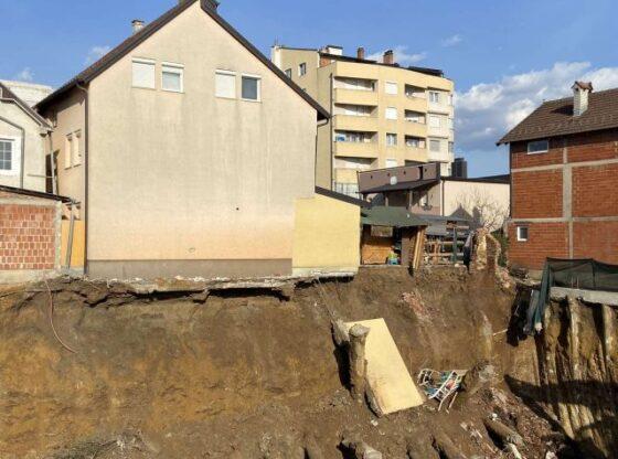 155 560x416 - Ferizajasit gati t'i shembet shtëpia për shkak të punimeve rrëzë saj