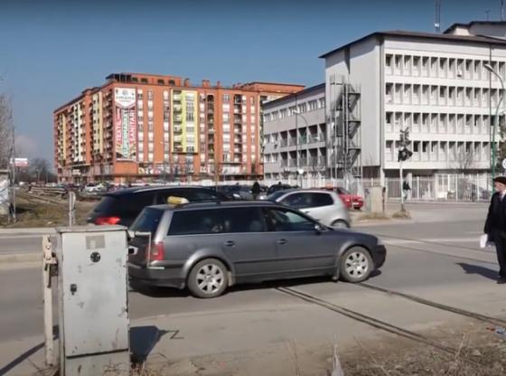 auto cffffdfbfb16155821971 560x416 - Treni godet veturën, autoriteti hekurudhor nuk përfilli kërkesën e komunës së Ferizajt