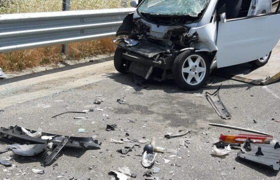 kri 600x360 11 560x360 - Katër të lënduar në një vetaksident në magjistralen Prishtinë-Ferizaj