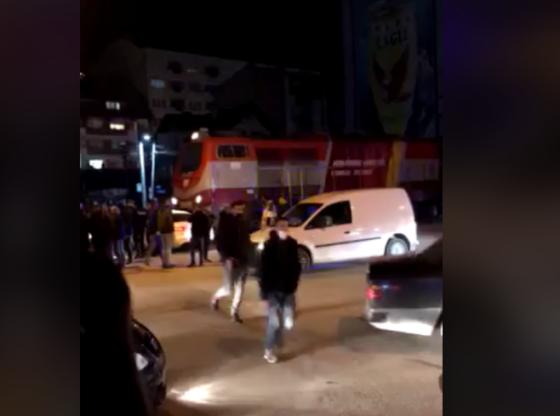yihkjljl 11 560x416 - Treni godet një veturë në Ferizaj (VIDEO)