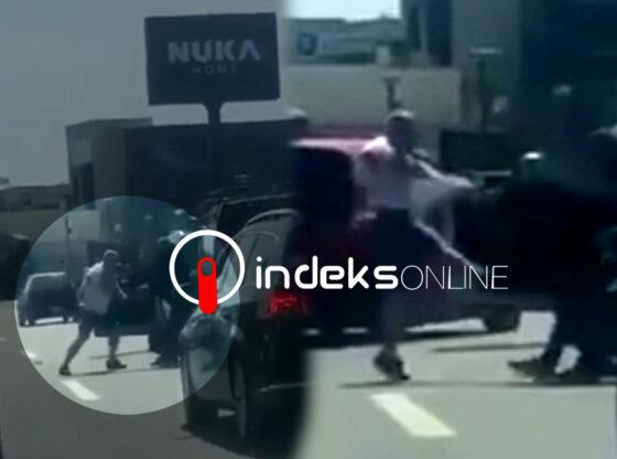 179978070 956600635091108 8742003649246699797 n1 560x416 - Ja si rrahën dy persona në magjistralen Prishtinë-Ferizaj (Video)