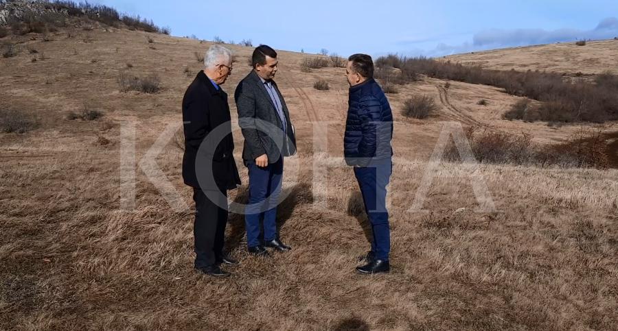 """auto banoret Jezerc16189371831 - Banorët e Jezercit me peticion kërkojnë kthimin e pronave të """"konfiskuara"""" nga ish-regjimi jugosllav"""