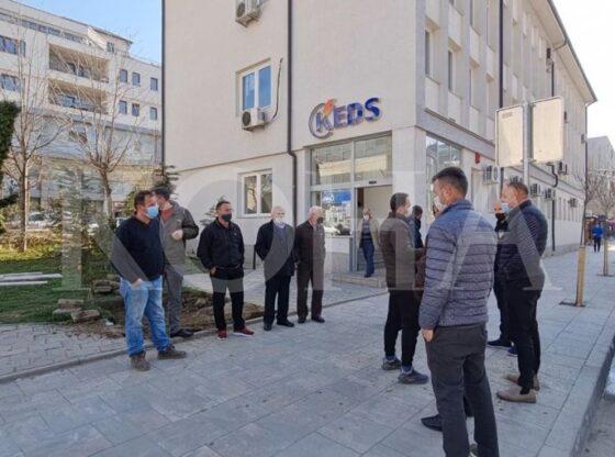 w 2 560x416 - Përfaqësues të bizneseve dhe banorë të Prelezit kërkojnë përmirësimin e cilësisë së energjisë