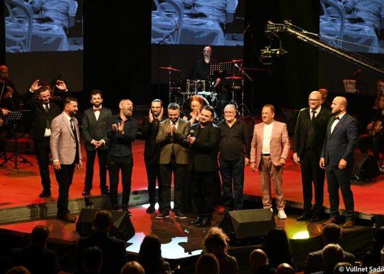961216242252311 560x400 - Në Ferizaj u mbajt gala koncerti memorial kushtuar artistit Qazim Dushku