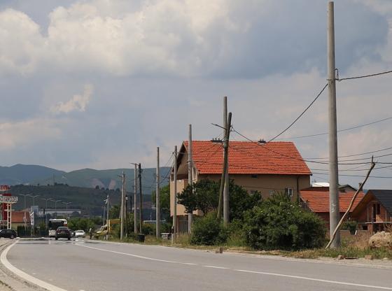 Koshare Ferizaj KEDS 21 560x416 - Kosharja e Ferizajt po bëhet me rrjet elektrik komplet të ri