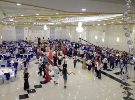 Manuali1 560x416 - Qeveria zyrtarizon sot manualin për dasmat, pritet të lejohen të marrin pjesë 200 persona