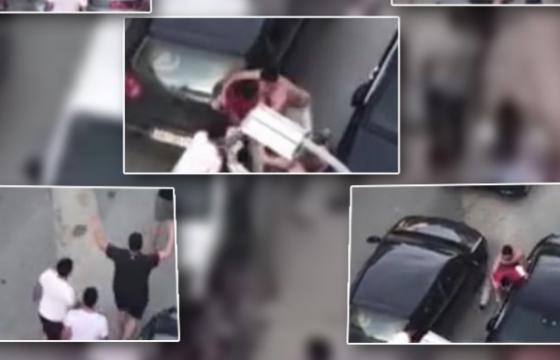Screenshot 8 19 600x3601 1 560x360 - Dalin pamjet e rrahjes në mes të vëllezërve nga Kosova dhe atyre nga Shëngjini