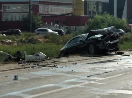 aksidnee 780x439 11 560x416 - Pacolli reagon pas aksidentit tragjik në Ferizaj: Kosova nuk ka rrugë për të vozitur shpejt, jo të gjithë kanë makina të sigurta