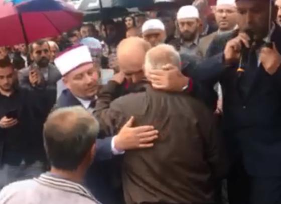 falja 780x439 1 750x4061 1 560x406 - Aksidenti në Ferizaj, familja Ramadani ia fal katër gjaqet familjes Musliu