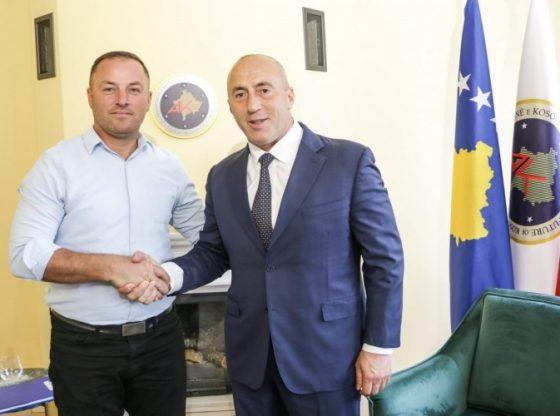 535259 RUyajK2R1p1 560x416 - AAK-ja zyrtarizon kandidatin për kryetar të Ferizajt