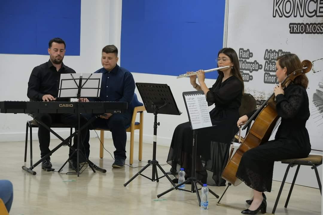 FB IMG 162534308801611 - Trio Mosso mban koncert ne Ferizaj