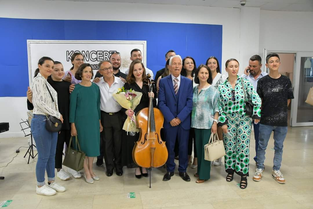 FB IMG 162534312818111 - Trio Mosso mban koncert ne Ferizaj