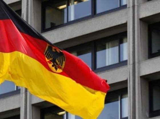 ambasada gjermane11 560x416 - Ambasada e Gjermanisë në Kosovë jep lajmin e mirë: Mund të bëni terminet për vizat