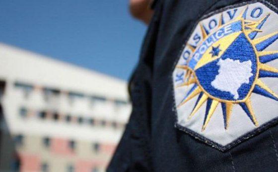 policia e kosoves 765x510 1 765x450 1506792823 8455535 111 560x347 - Aksion i madh i Policisë së Kosovës, blindohet Gjilani, Ferizaj e Gjakova